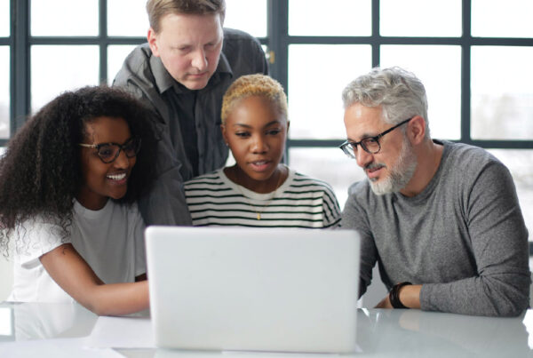 Ultimate Guide to Managing eLearning Projects | The eLearning Designer's Academy by Tim Slade